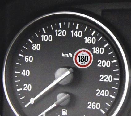 Hinweisetikett zulässige Höchstgeschwindigkeit 180 km/h