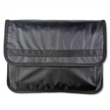 Autopapiertasche NylonBudget Maxi: extra großes Hauptfach mit Klettverschluss